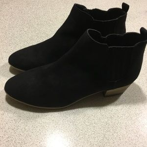 Faux suede black ankle booties pull on NWOT 9.5